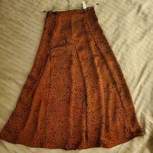 Gorgeous NWOT Aritzia high slit skirt